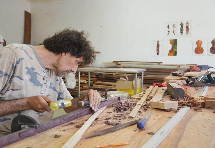 En los más de 20 talleres se imparten de manera gratuita, destacando los que fomentan el autoempleo. (Redacción/SIPSE)