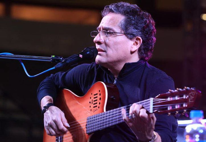 Alejandro Filio se caracteriza por sus temas de amor, crítica y compromiso social, nostalgia y esperanza. (SIPSE)