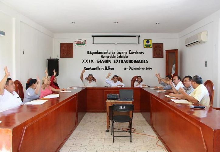 El Cabildo aprobó el presupuesto del ejercicio fiscal del 2015. (Raúl Balam/SIPSE)