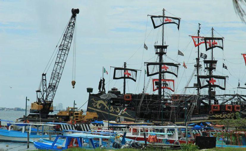 El puerto fue cerrado a las embarcaciones menores. (Israel Leal/SIPSE)