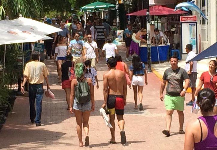 Los visitantes nacionales predominaron durante la primera parte del verano en la Riviera Maya. (Adrián Barreto/SIPSE)