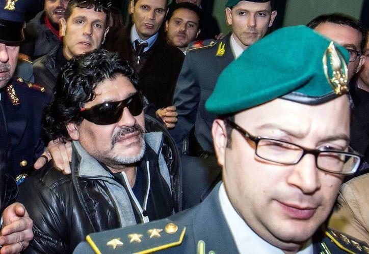 Mientras que en Argentina hacen un festín con la vida amorosa de Maradona, el jugador se encuentra en Dubai. (Agencias)