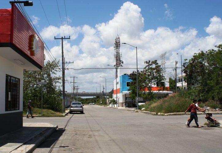 Se detectaron ocho negocios de venta de alcohol cerca de escuelas y hospital de Playa del Carmen y Puerto Aventuras. (Octavio Martínez/SIPSE)