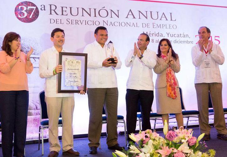 Por tercer año al hilo Yucatán obtuvo el primer lugar nacional de desempeño en materia de colocación laboral, seguido por Aguascalientes y Sinaloa. (SIPSE)