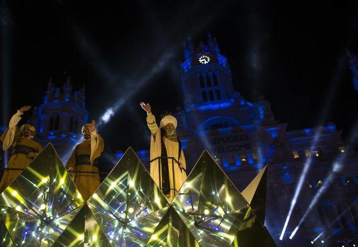La Cabalgata de Reyes es uno de los sucesos más esperados por los niños de Madrid y toda España. (AP/Francisco Seco)