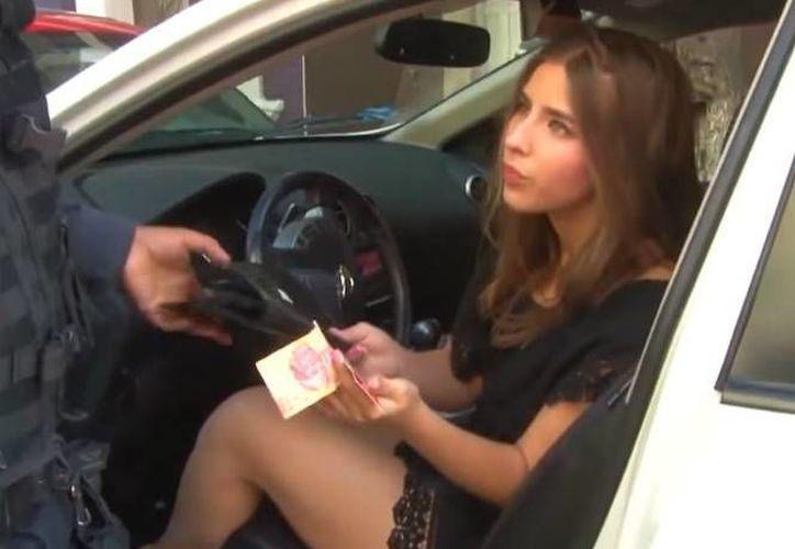 Lorena saltó a la fama luego de un penoso incidente automovilístico que protagonizó estando ebria. (Excélsior)