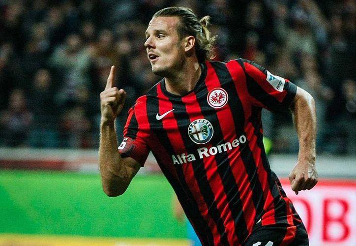 Alexander Meier, hoy líder de goleo de la Bundesliga con 19 tantos, 2 más que Robben y 3 más que Lewandowski, será operado por una fractura de rodilla y se perderá el final de la temporada de la Bundesliga. (fnp.de)