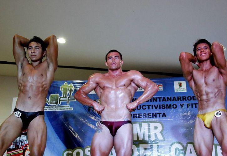 Los ganadores de este certamen representarán a la entidad en el campeonato Mr. México 2015. (Raúl Caballero/SIPSE)
