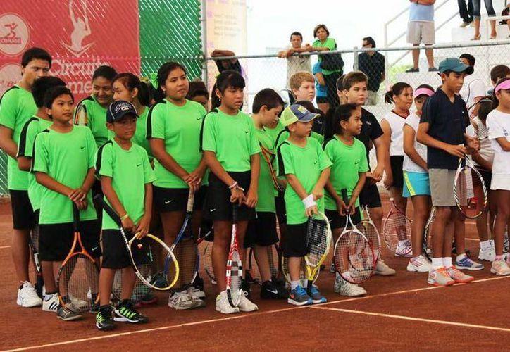 Inauguración del torneo de tenis 'Jorge Robleda Moguel'. (Milenio Novedades)
