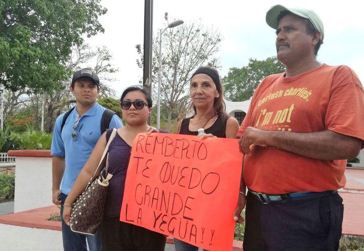 Realizan asamblea ciudadana en la explanada del Ayuntamiento de Benito Juárez. (Verónica Fajardo/SIPSE)