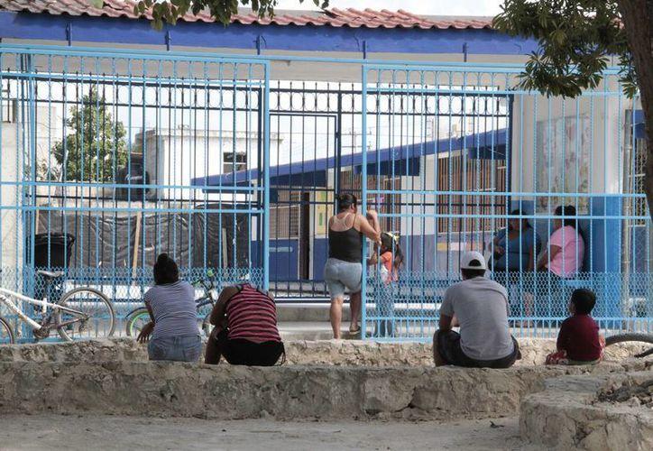 Estudiarán las reacciones y problemáticas que causarán a los padres de familia el nuevo horario. (Tomás Álvarez/SIPSE)