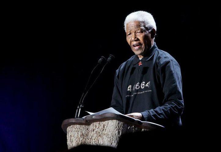 Una nieta de Mandela reveló que su estado de salud era crítico pero estable. (EFE)