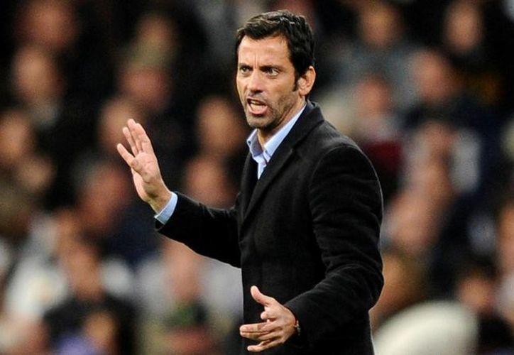 Quique Sánchez Flores es el nuevo entrenador del mexicano Miguel Layún en Watford, que acaba de ascender a la máxima categoría del futbol en Inglaterra. En la foto, cuando entrenaba al Atlético de Madrid. (eurosport.com)