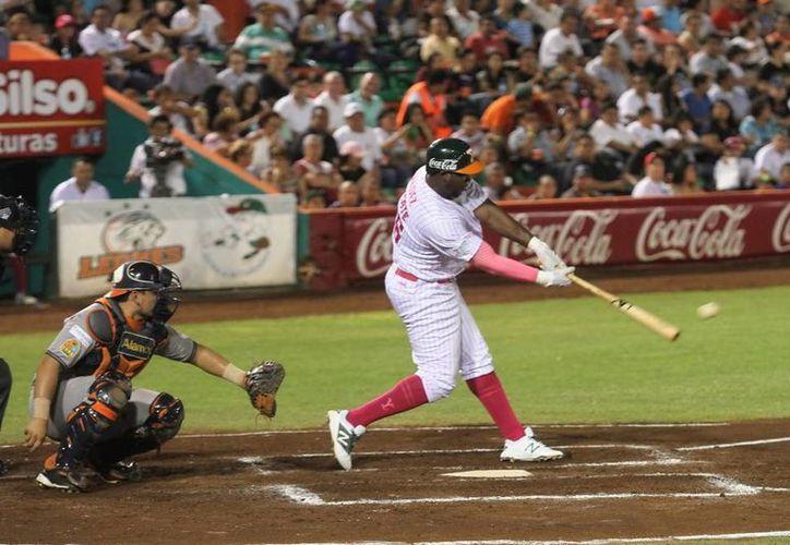 Tigres de Quintana Roo manda de nuevo a Leones de Yucatán al tercer lugar de la Zona Sur. (Amílcar Rodriguez/SIPSE)