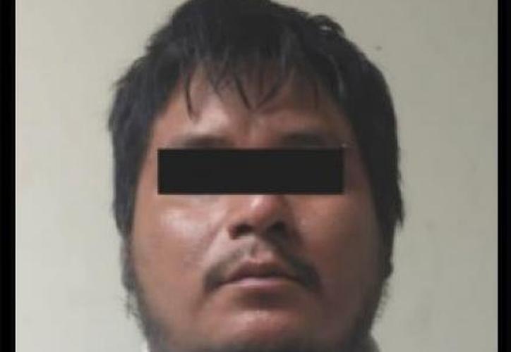 """Juan """"N"""", de 26 años, fue detenido por las autoridades en Cadereyta, Nuevo León. (Foto: Twitter)"""