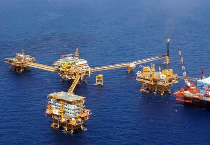 En 2013, México exportó 878 mil barriles diarios de petróleo. (eice.com.mx)