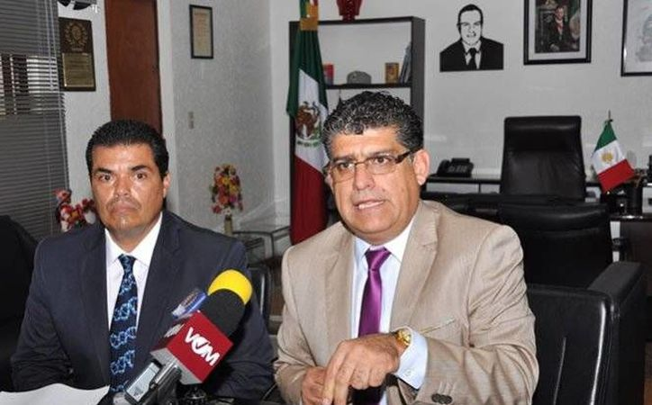 Guillermo Arroyo Cruz, secretario del Ayuntamiento de Cuernavaca, dijo que fueron analizadas 43 firmas del alcalde. (Excélsior)