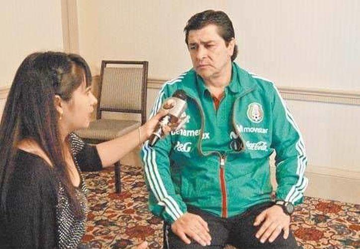 En charla con Milenio La Afición, Tena no se atreve a decir si se ve en el Mundial de 2014. (Milenio)