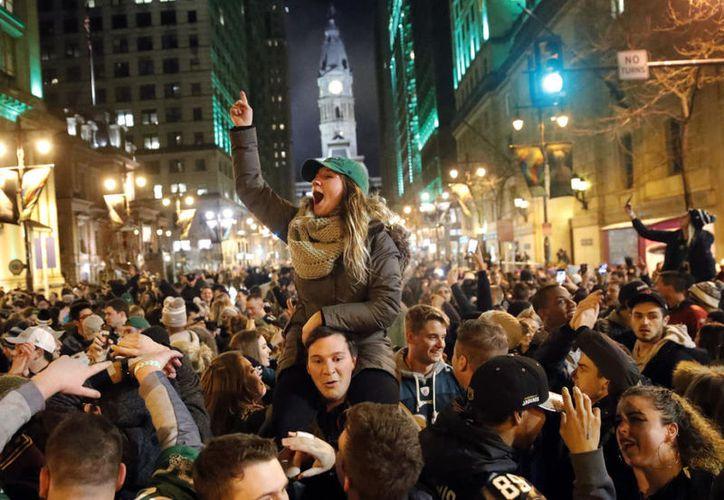 Águilas regresó la tarde del lunes a Filadelfia como campeón del Súper Bowl, por primera vez en la historia de la franquicia. (Contexto/Internet)
