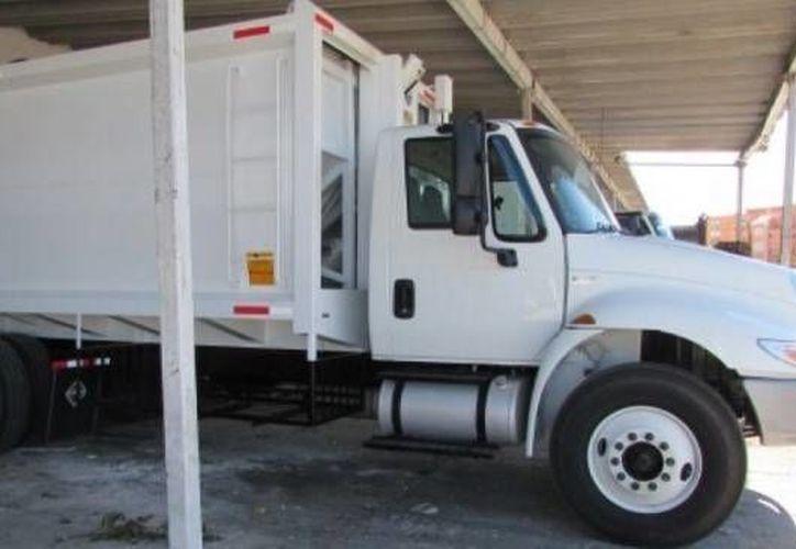 La Comuna porteña adquirió dos nuevas unidades para la basura y serán parte del programa de reordenamiento y recolecta de basura. (Milenio Novedades)