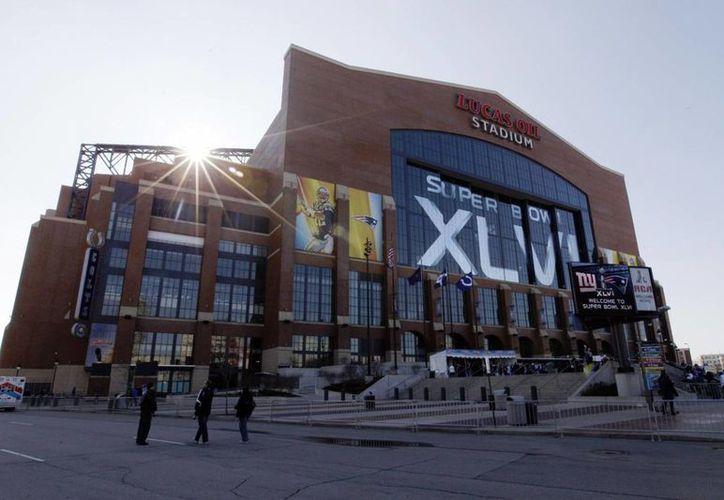 El Lucas Oil Stadium recibió a Gigantes de Nueva York y Patriotas de Nueva Inglaterra en el Super Bowl 2012. (Agencias)