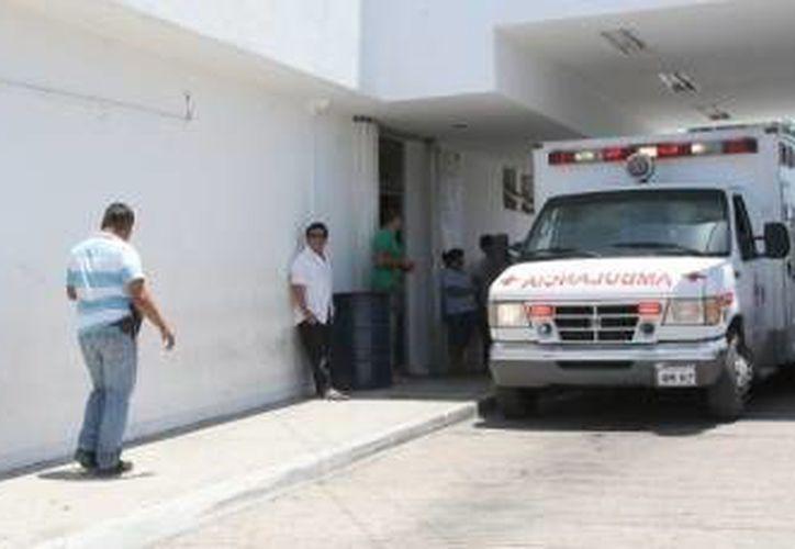 La mujer fue ingresada al Hospital General de Cancún. (Redacción/SIPSE)