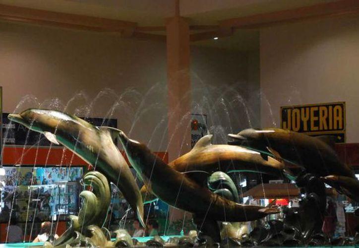 La plaza Acuario es el lugar comercial donde se ubica el museo de cera en Veracruz. (Contexto/Internet)
