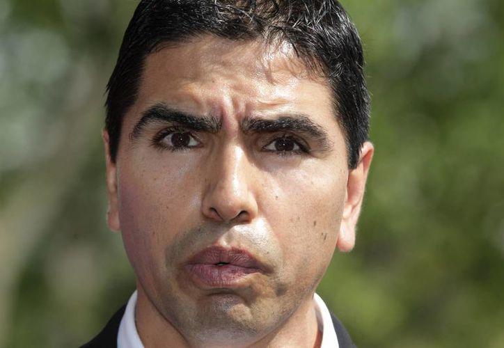 """Eddie """"Piolín"""" Sotelo trabajó una década para Univision. (Agencias)"""