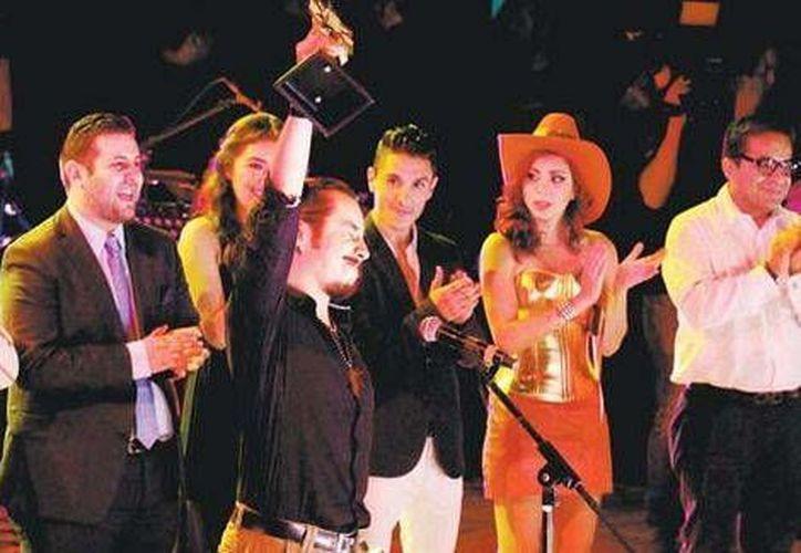 Erik Torres ganó el Concurso Nacional de la Canción 'Armando Manzanero' con el tema 'Cuando el mundo calla', considerada una obra de protesta social. (Milenio Digital)