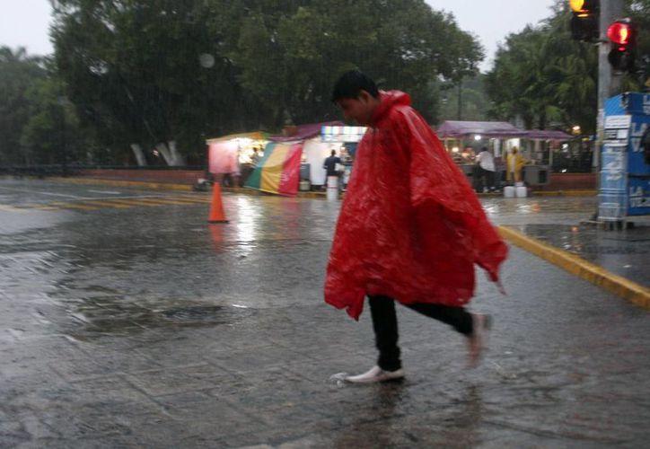 La lluvia cayó con inusitada intensidad para un mes de noviembre en Mérida. (Christian Ayala/SIPSE)