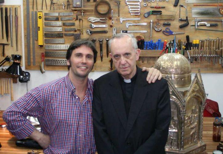 Pallarols conoció al hoy Papa Francisco cuando se desempeñaba como Arzobispo de Buenos Aires. (Facebook/Adrián Pallarols)