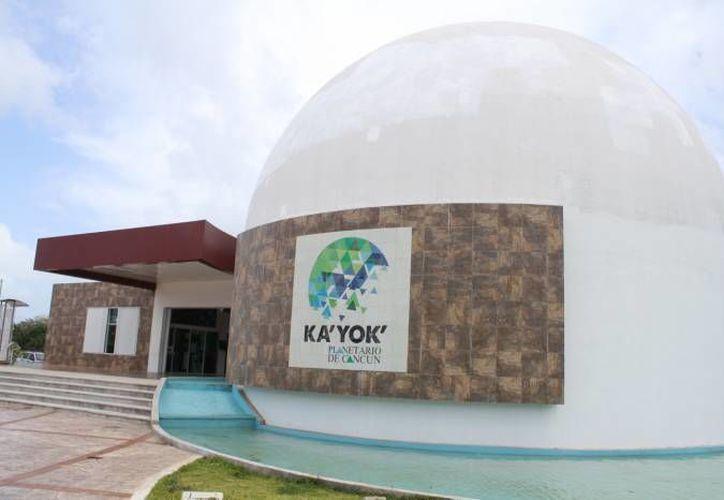 La ONU invitó a la escuela para visitar el Planetario. (Victoria González/SIPSE)