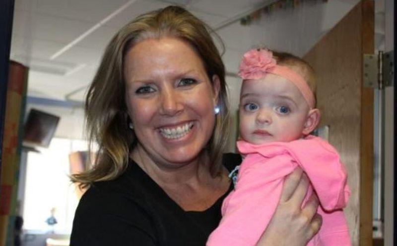 Enfermera adopta a bebé que fue abandonada en hospital — Boston
