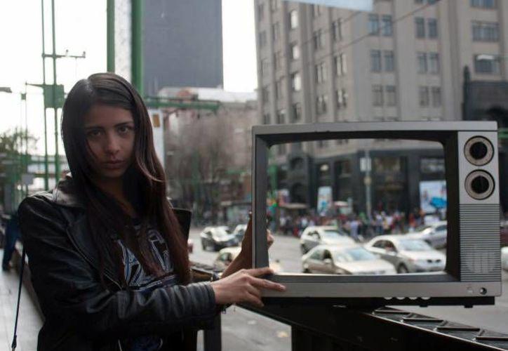 El Ayuntamiento de Mérida informa que los empleados recolectores de basura no están autorizados para llevarse los televisores antiguos, por lo que los dueños de estos deberán llevarlos a centros de acopio autorizados. (Foto de archivo de Notimex)