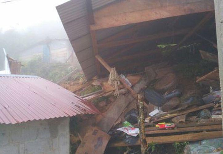 Cinco menores de edad murieron debido a un deslizamiento de una ladera en Chiapas. (@pcivilchiapas/Twitter).