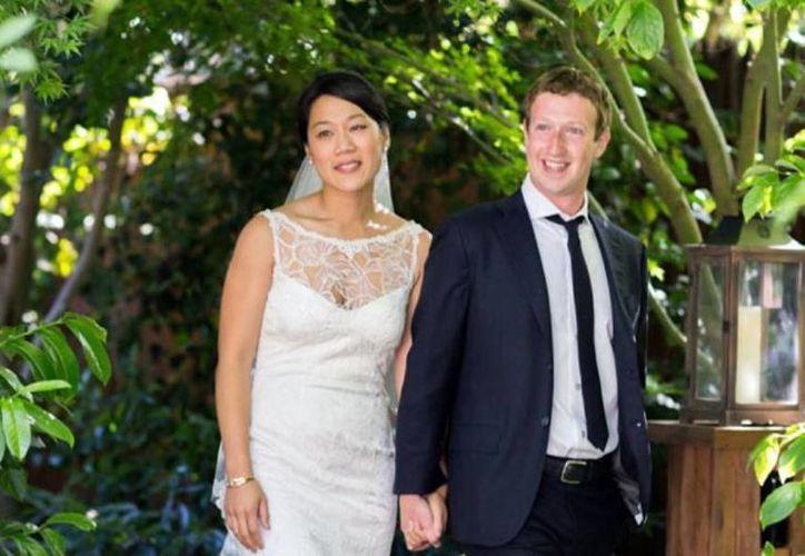 Antes de casarse con Mark Zuckerberg, creador de Facebook, Priscilla Chan hizo colocar en el contrato prenupcial una cláusula de tener sexo al menos una vez a la semana. (Agencias)