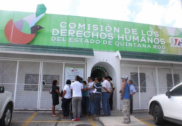 Las hermanas de la víctima presentaron una queja ante la Cedheqroo por violación a los derechos humanos. (Foto: Eddy Bonilla)