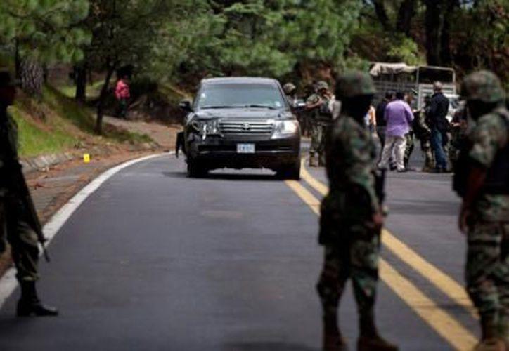 El 24 de agosto de este año una camioneta diplomática de EU con tres personas a bordo fue rafagueada en Morelos. (Archivo Notimex)