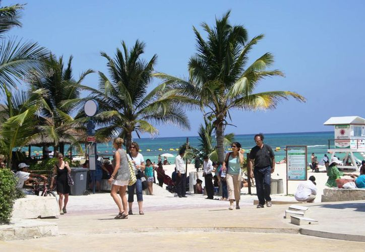 Durante este fin de semana largo los negocios turísticos reportaron afluencias de 90%.  (Octavio Martínez/SIPSE)