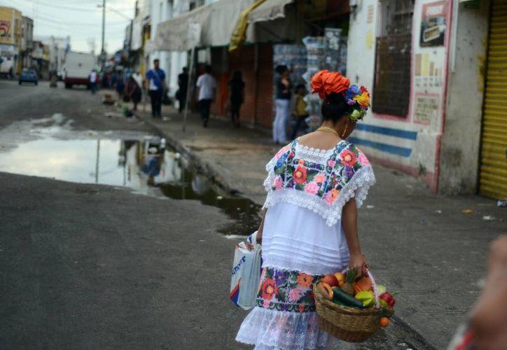 Este domingo se registró en Mérida calor y fuerte humedad a causa de lluvias aisladas en algunas zonas. (Luis Pérez/SIPSE)