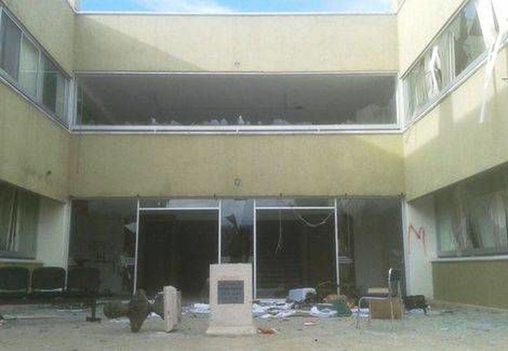 Personal de las oficinas del PRI en Morelia resguardó pertenencias de valor para evitar saqueos. (Milenio)