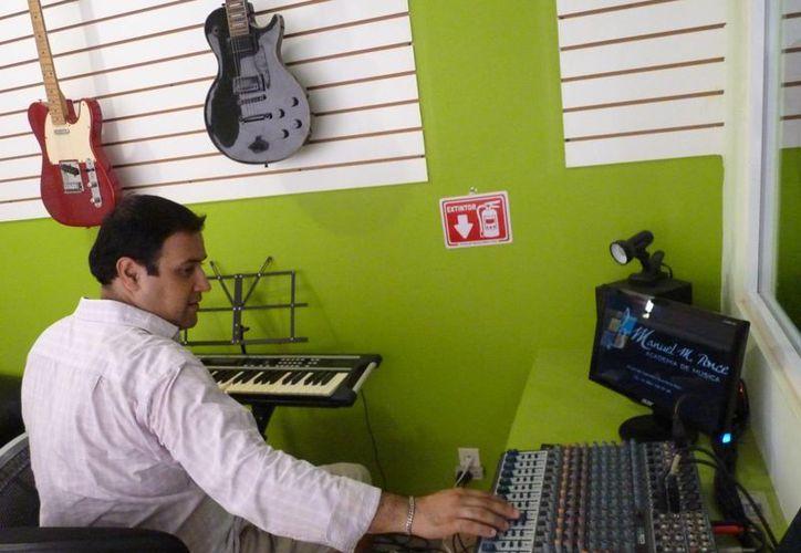 La academia de música Manuel M. Ponce abrió un curso para quienes quieren ser DJs. (Licety Díaz/SIPSE)