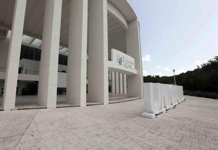 Los diplomados de idiomas se impartirán en la Universidad del Caribe en Cancún. (Redacción/SIPSE)