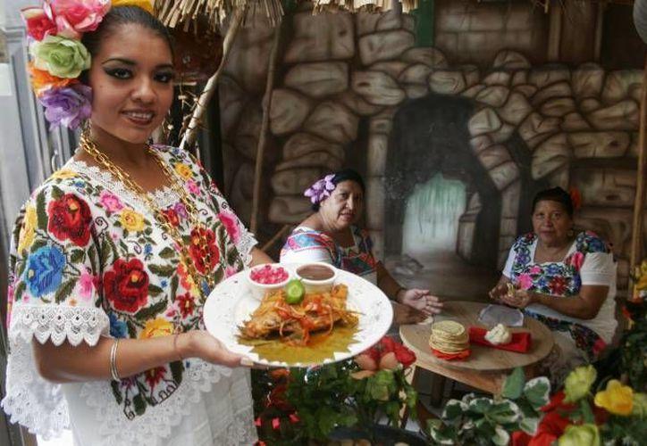 Las personas a las que ofertamos caros platillos con venado están dispuesta a pagar: chef Felipe Barocio. (Milenio Novedades/Contexto)