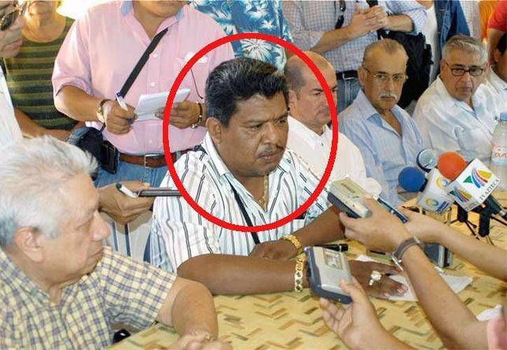 El cuerpo de Francisco Tlalmanalco Bernal, dirigente de la Confederación Nacional Campesina, fue encontrado en un camino de terracería. (periodismodeguerrero.com)