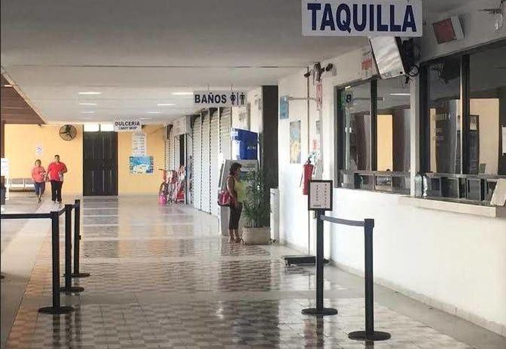 El profesor dijo que fue asaltado en la terminal de AutoProgreso, en el vecino puerto. (Óscar Pérez/SIPSE)