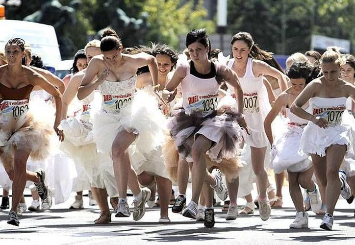 Este domingo se realizará la Ciudad de México la primera Gran Carrera de las Novias, evento que además reúne en un solo sitio a los mejores proveedores de la industria de las bodas. (Imagen tomada de emol.com)