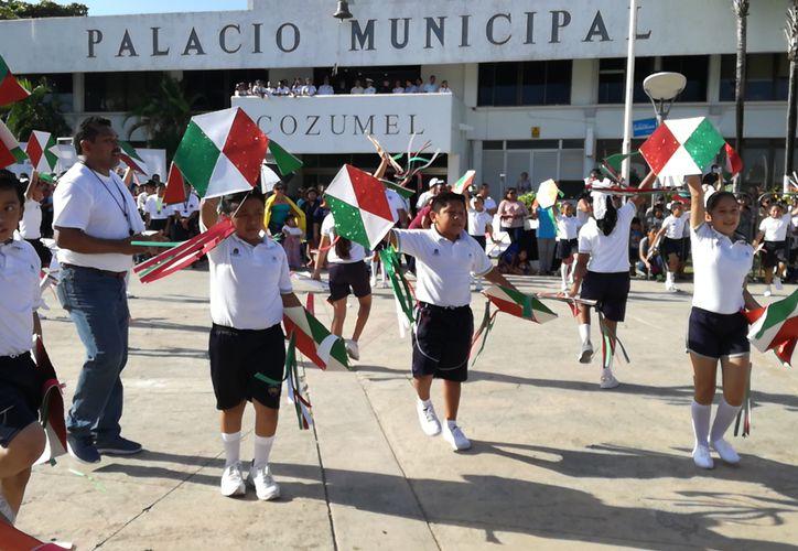 El estado de Quintana Roo se unió a la celebración, donde participaron estudiantes de todos los niveles educativos. (Redacción)