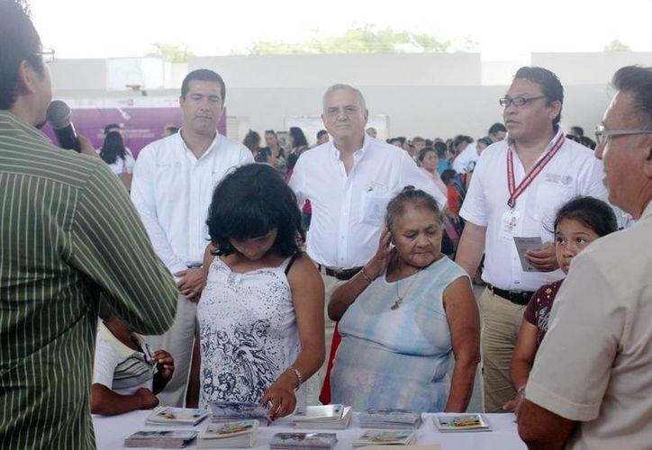 Autoridades federales estuvieron presentes en la Feria atendiendo de primera mano a todos los ciudadanos. (Milenio Novedades)
