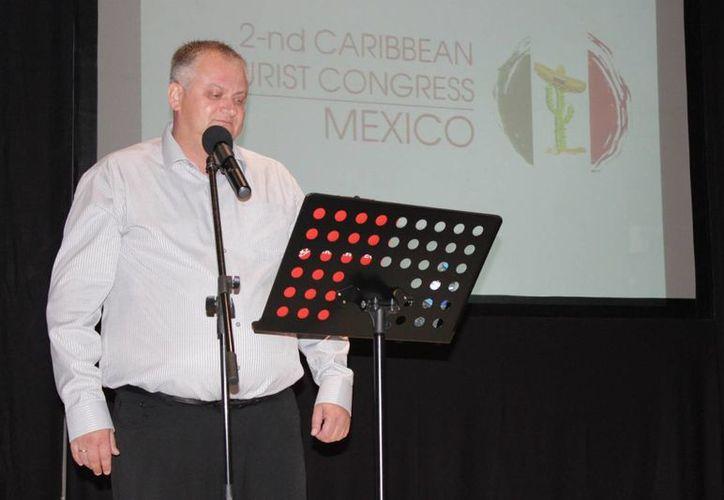 Fesik Dmitry, durante la presentación del Segundo Congreso Turístico del Caribe. (Adrián Barreto/SIPSE)